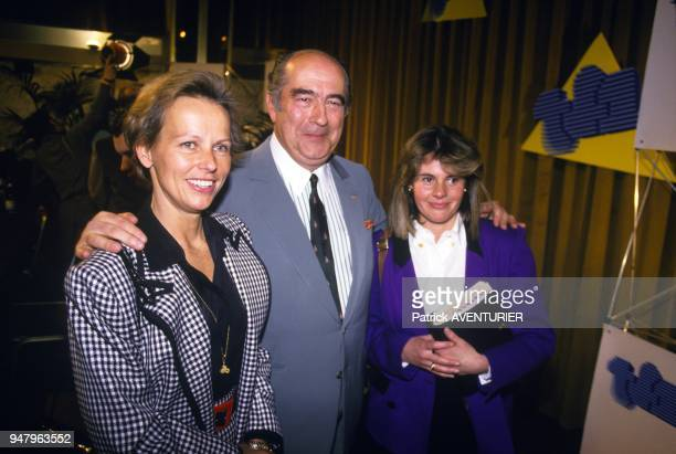 Presentation of the new organization chart of TV channel TF1 with Christine Ockrent Francis Bouygues and Dominique Cantien on May 6 1987 in Paris...