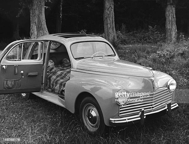 Presentation of the 'Peugeot 203' car 1954 in France