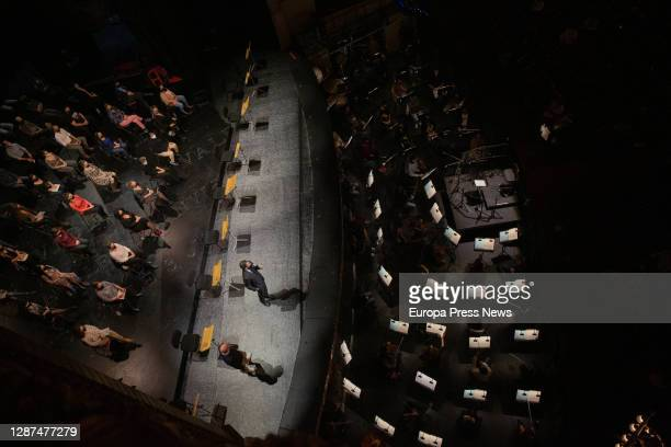 Presentation of the rehearsal of 'La Traviata' in the Liceu with piano soloists and its chorus on November 24 in Barcelona Spain This rehearsal prior...