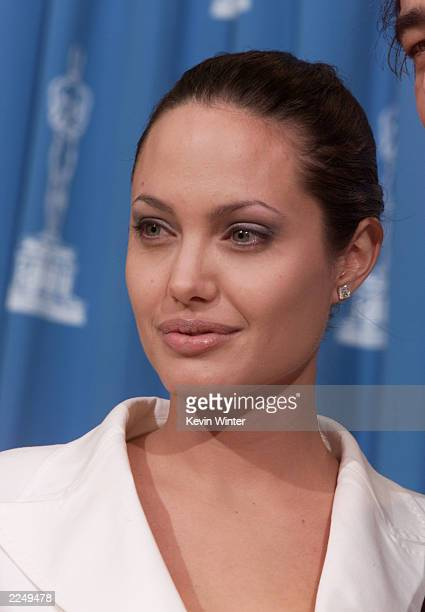 Presenter Angelina Jolie backstage at the 73rd Annual Academy Awards at the Shrine Auditorium in Los Angeles Sunday March 25 2001 Photo by Kevin...