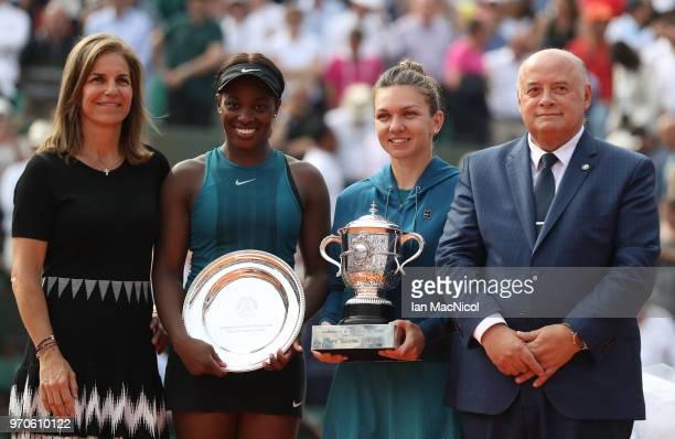 Presenter Arantxa Sanchez finalist Sloane Stephens of United states winner Simona Halep of Romania Bernard Giudicelli President of French Tennis...