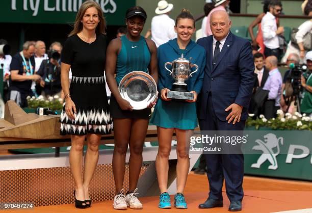 Presenter Arantxa Sanchez finalist Sloane Stephens of USA winner Simona Halep of Romania Bernard Giudicelli President of French Tennis Federation FFT...