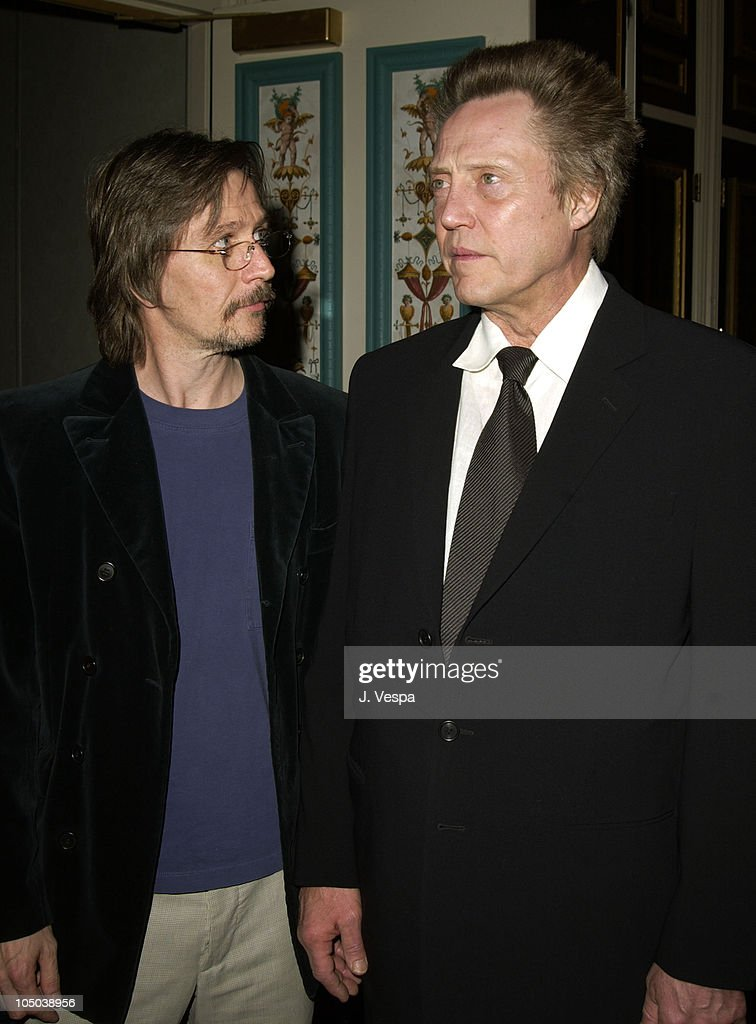 ¿Cuánto mide Christopher Walken? - Página 2 Presenter-gary-oldman-and-christopher-walken-winner-of-supporting-of-picture-id105038956