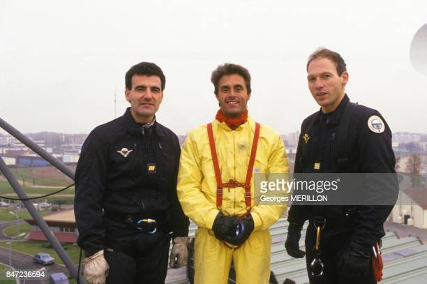 TV presenter Gerand Holtz during training with GIGN Groupement d'Intervention de la Gendarmerie Nationale members on November 30 1987 in France