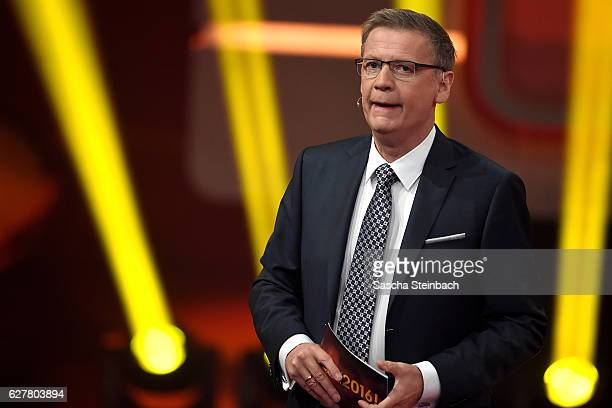 Presenter Guenther Jauch attends the television show 2016 Menschen Bilder Emotionen RTL Jahresrueckblick on December 4 2016 in Cologne Germany