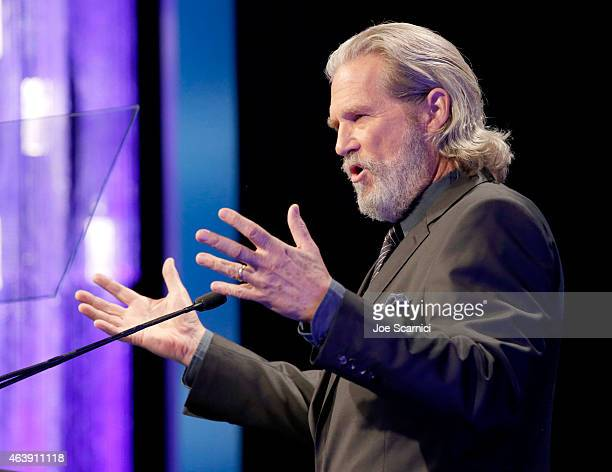 Presenter Jeff Bridges speaks onstage at the 2nd Annual unite4humanity presented by ALCATEL ONETOUCH at the Beverly Hilton Hotel on February 19 2015...
