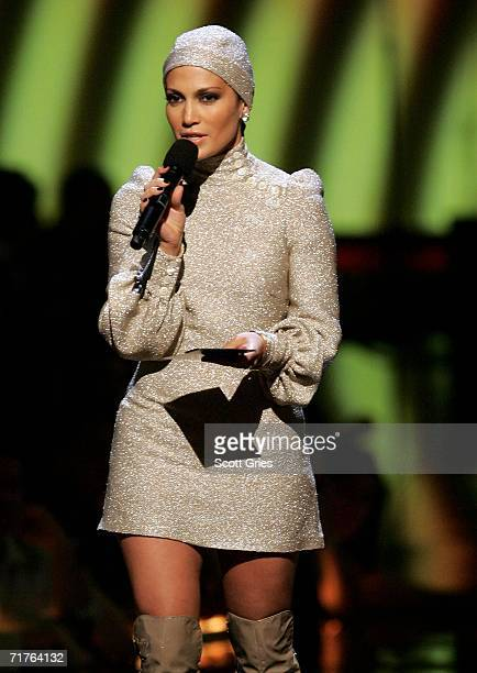 Presenter Jennifer Lopez appears onstage at the 2006 MTV Video Music Awards at Radio City Music Hall August 31 2006 in New York City
