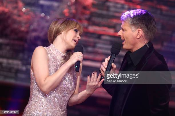 Presenter Joerg Pilawa and Swiss singer Francine Jordi at the final rehersal for the Silvestershow  in Graz Austria 30 December 2017 The programme...