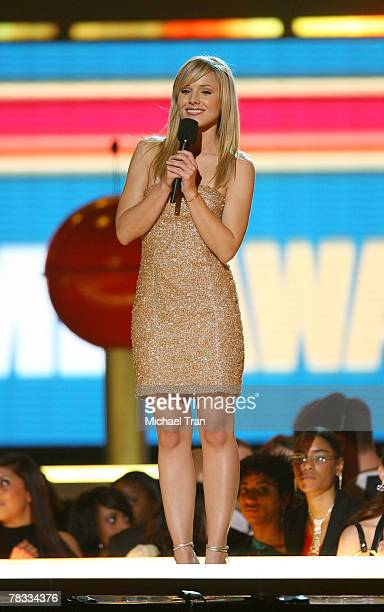 Presenter Kristen Bell speaks during the Spike TV's 2007 'Video Game Awards' at the Mandalay Bay Events Center on December 7 2007 in Las Vegas Nevada