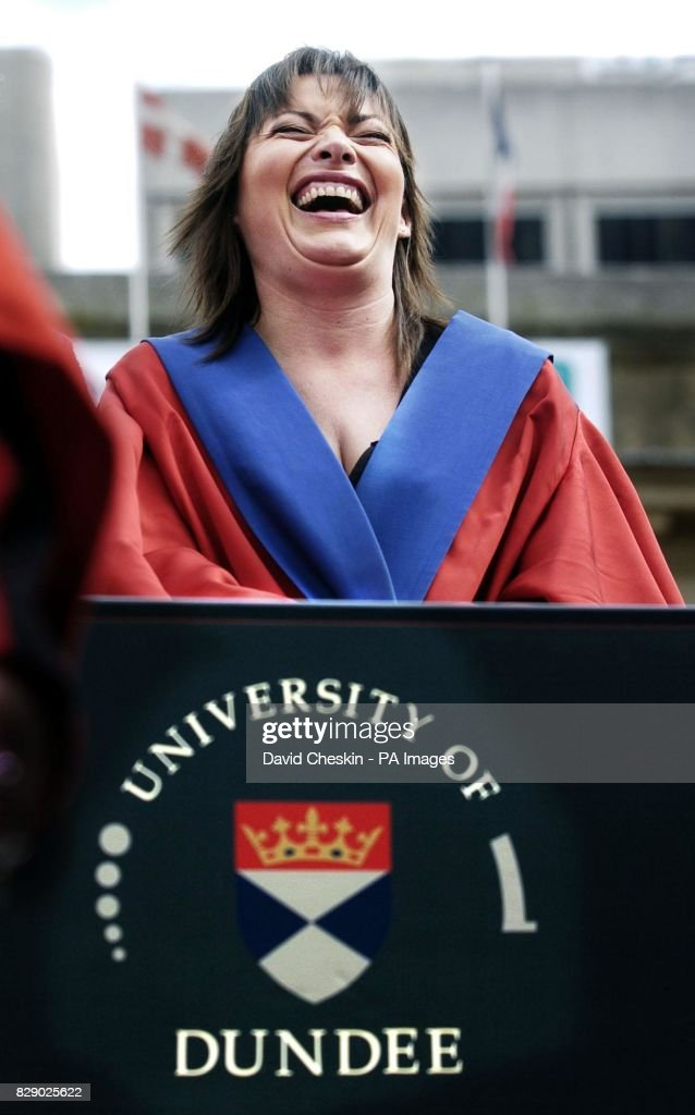 Lorraine Kelly Dundee University : News Photo