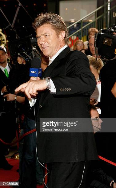 TV presenter Richard Wilkins interviews arrivals at the 2007 TV Week Logie Awards at the Crown Casino on May 6 2007 in Melbourne Australia The annual...