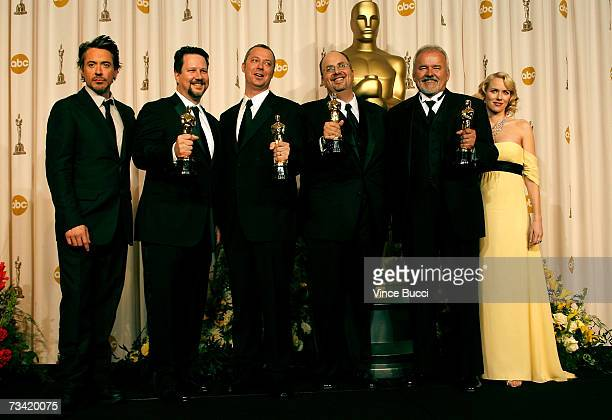 TELECAST*** Presenter Robert Downey Jr winners of Best Achievement in Visual Effects for Pirates of the Caribbean Dead Man's Chest John Knoll Hal T...