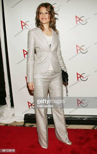 Presenter Sandra Bernhard attends The Accessories Council 9th Annual ACE Awards gala at Cipriani's 42nd Street November 8 2005 in New York City