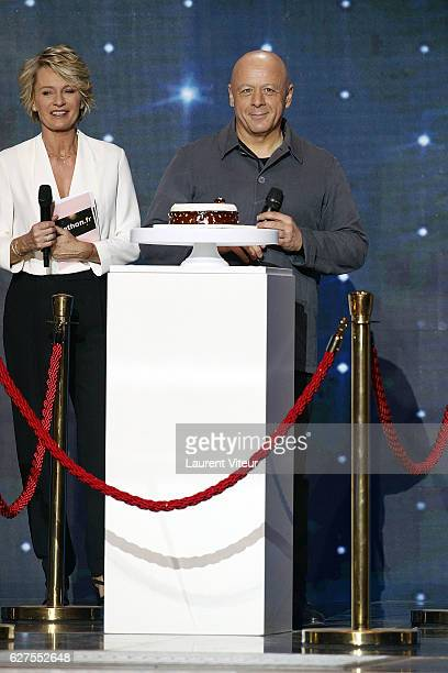 Presenter Sophie Davant and Pastry chef Thierry Marx attend 30th Telethon at Hippodrome de Longchamp on December 3 2016 in Paris France