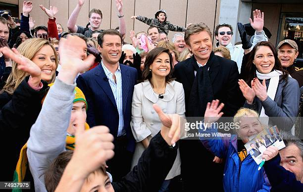Presenters Allison Langdon Karl Stefanovic Lisa Wilkinson Richard Wilkins and Giaan Rooney surrounded by the public live onair as part of the Today...