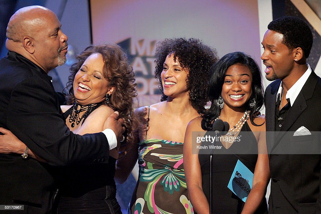 Presenters (L-R) James Avery, Daphne Reid, Karyn Parsons, Tatyana Ali and Will Smith stand onstage at the BET Awards 05 at the Kodak Theatre on June 28, 2005 in Hollywood, California.