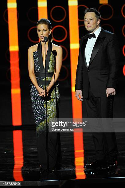 Presenters Kate Beckinsale and Elon Musk speak onstage during the Breakthrough Prize Awards Ceremony Hosted By Seth MacFarlane at NASA Ames Research...