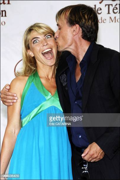 TV presenters Rachel Bourlier and Nathalie Vincent Kissing us actors Robert Knepper and Eric Dane during the Photocalls