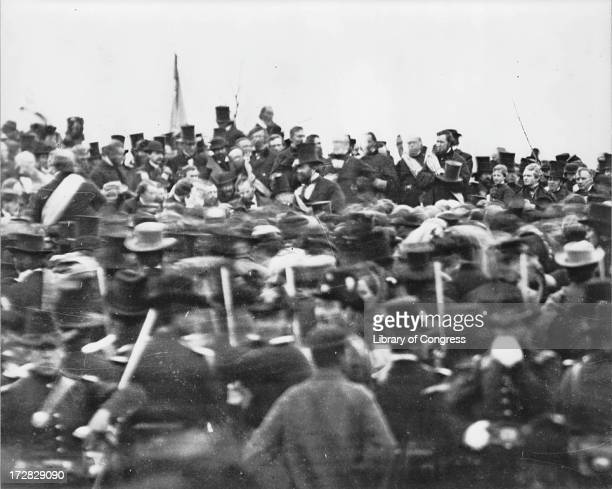 US President Abraham Lincoln arrives at Gettysburg in Pennsylvania to deliver the Gettysburg Address 19th November 1863 To Lincoln's right is his...