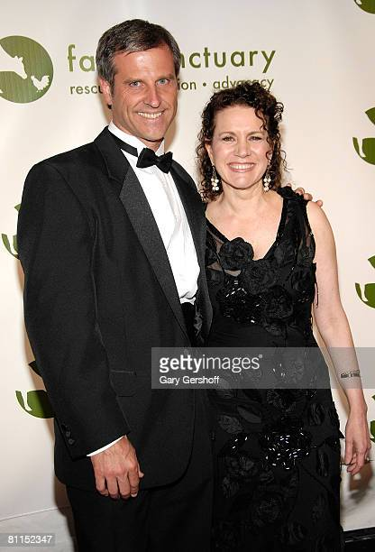 President and cofounder of Farm Sanctuary Gene Baur and comedienne/actress Susie Essman arrive to the 2008 Farm Sanctuary Gala for Farm Animals at...