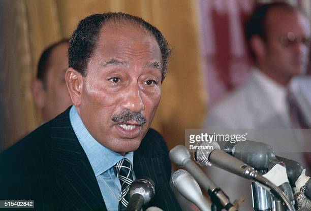 President Anwar Sadat despite disapproval from Egypt's allies and dissent within his own cabinet accepted 11/17 an invitation to travel to the holy...