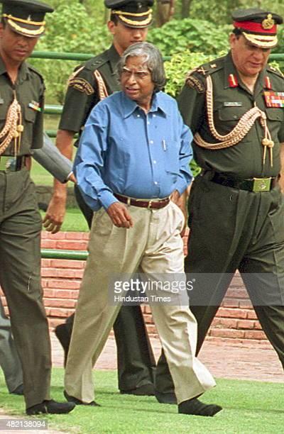 President APJ Abdul Kalam visits to memorial of former Prime Minister Jawahar Lal Nehru on July 26 2002 in New Delhi India Avul Pakir Jainulabdeen...