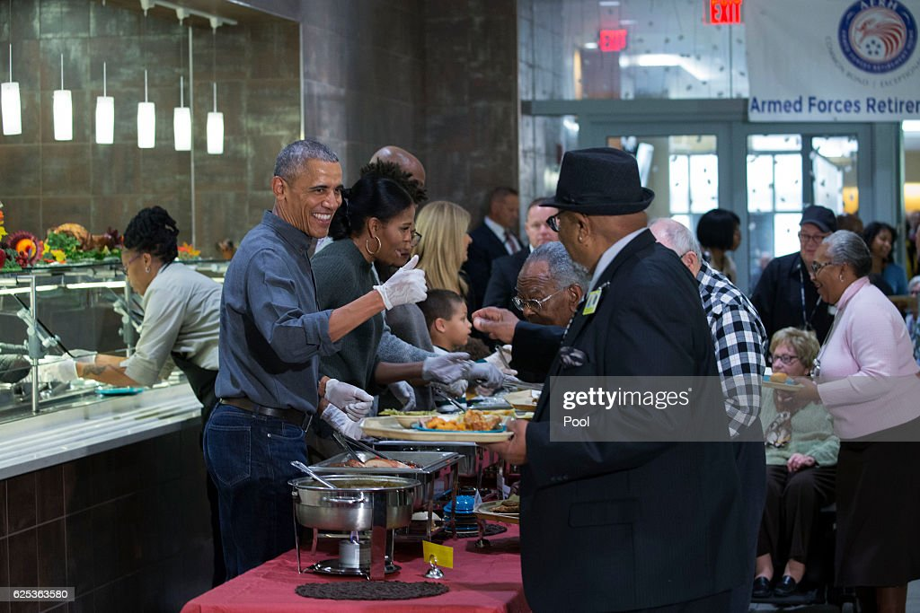 US President Barack Obama Serves Dinner At The Armed Forces Retirement Home : News Photo