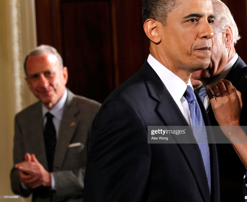 President Barack Obama (R) and Sen. Arlen Specter (D-PA) (L) attend a reception in honor of Jewish American Heritage Month May 27, 2010 in the East Room of the White House in Washington, DC. The reception was to celebrate Jewish American heritage and its contributions to American culture.