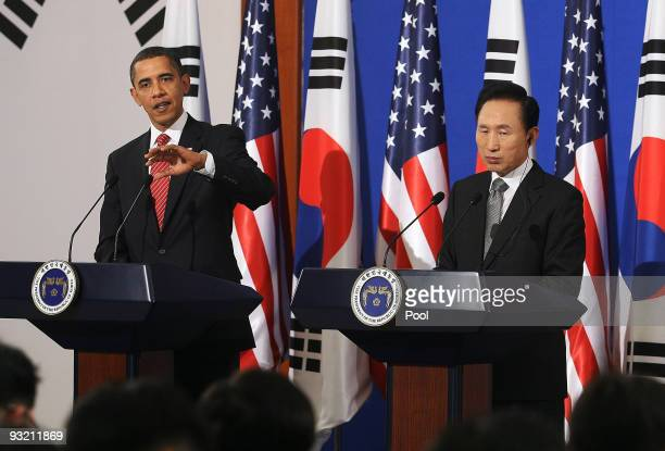 S President Barack Obama and South Korean President Lee MyungBak attend a joint press conference at the presidential house on November 19 2009 in...