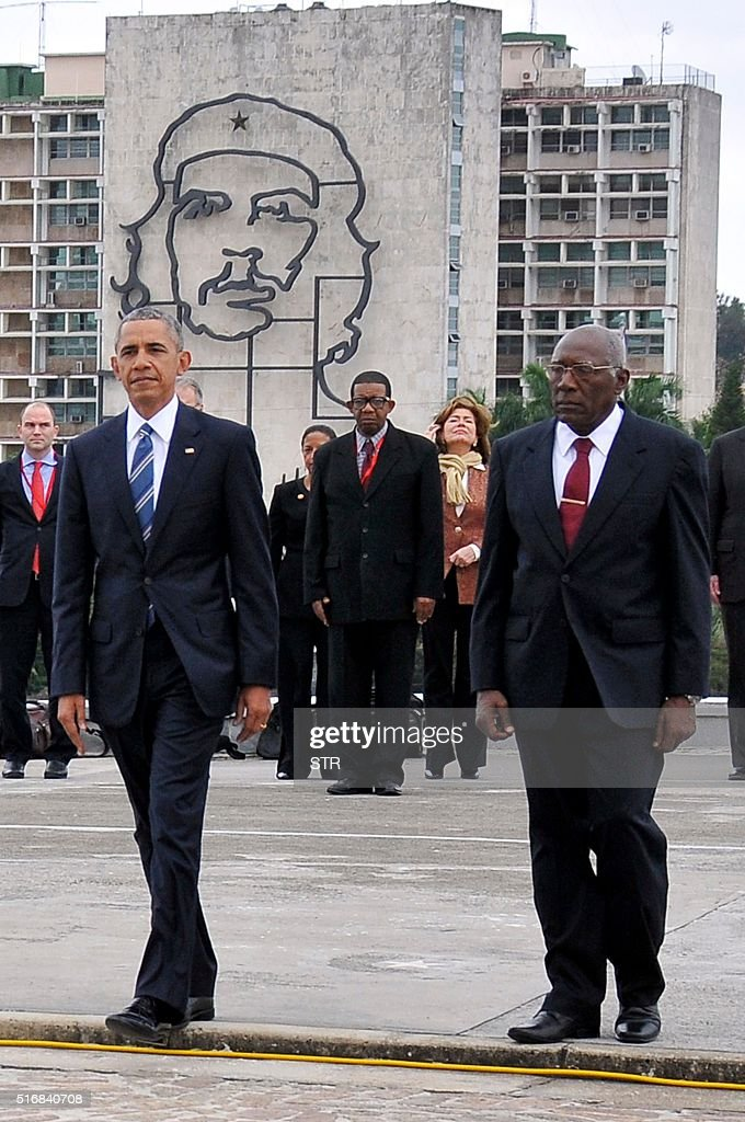 US President Barack Obama (L) and the Vice-President of the Cuban State Council Salvador Valdes Mesa (R) attend a wreath-laying ceremony at Jose Marti monument in the Revolution square of Havana on March 21, 2016. US President Barack Obama and his Cuban counterpart Raul Castro met Monday in Havana's Palace of the Revolution for groundbreaking talks on ending the standoff between the two neighbors.