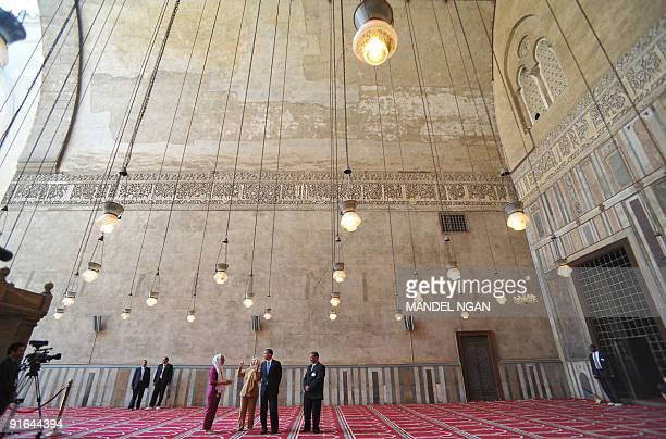US President Barack Obama and US Secretary of State Hillary Clinton tour the Sultan Hassan Mosque in Cairo on June 4 2009 Obama took a tour of the...