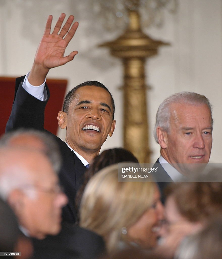 US President Barack Obama and Vice President Joe Biden greet attendees during a reception celebrating Jewish American Heritage Month May 27, 2010 in the East Room of the the White House in Washington, DC. AFP PHOTO/Mandel NGAN
