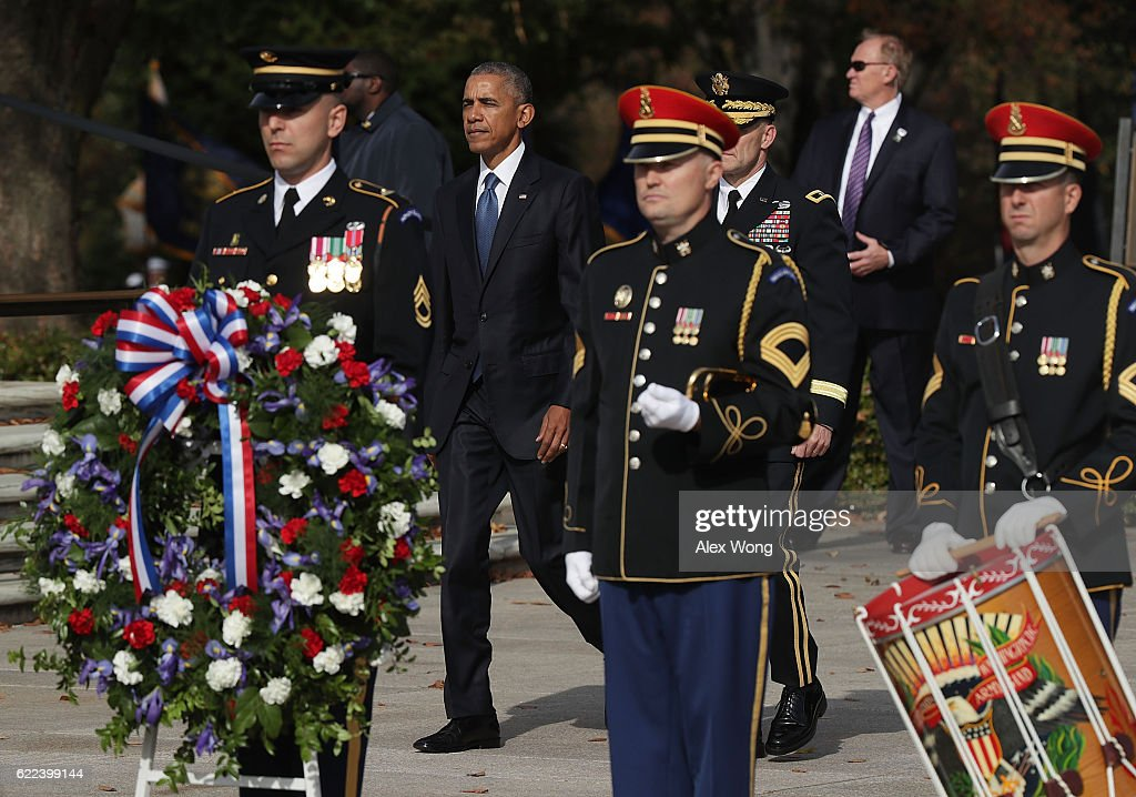 President Obama Lays Wreath At Tomb Of Unknown Soldier On Veterans Day : News Photo