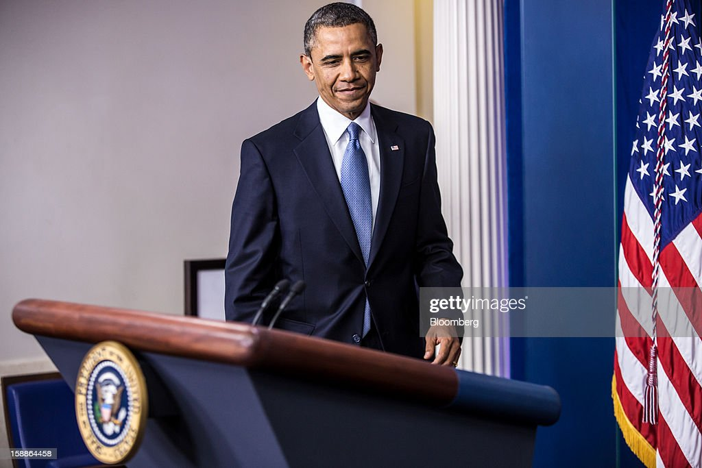U.S. President Barack Obama arrives to deliver a statement in the Brady Press Briefing Room at the White House in Washington, D.C., U.S., on Tuesday, Jan. 1, 2013. The House of Representatives passed legislation averting income tax increases for most U.S. workers after Republicans abandoned their effort to attach spending cuts that would have been rejected by the Senate. Photographer: Brendan Hoffman/Pool via Bloomberg