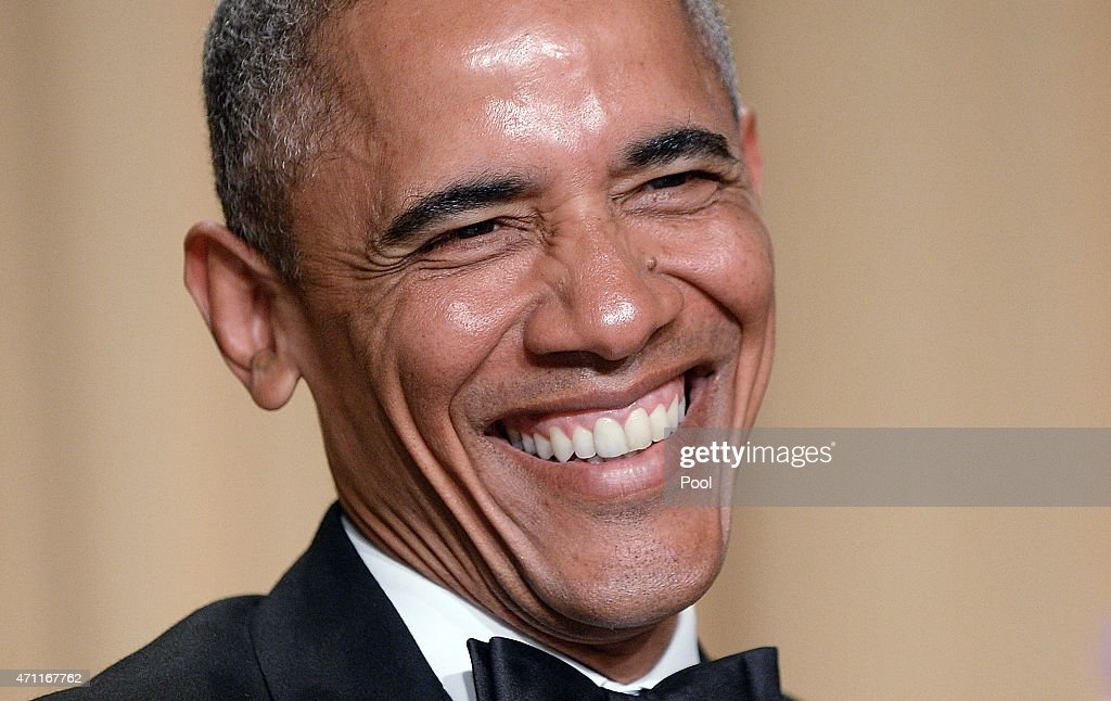 Barack Obama Addresses White House Correspondents Dinner : News Photo
