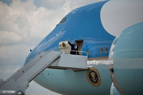 US President Barack Obama boards Air Force One at Andrews Air Force Base on June 7 2010 in Camp Springs Maryland Obama is traveling to Michigan to...