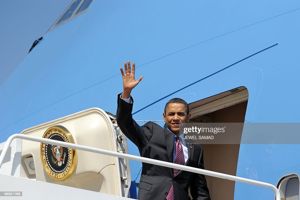 US President Barack Obama boards Air Force One at Andrews Air Force Base in Maryland on April 19, 2010 for Los Angeles, California, to attend at a fundraising reception for Senator Barbara Boxer and the Democratic National Committee. AFP PHOTO/Jewel SAMAD