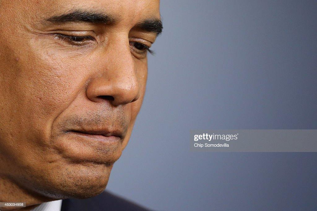President Obama Makes A Statement : News Photo
