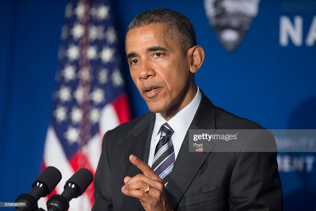 President Obama Speaks at the Belmont-Paul Women's Equality National Monument : Photo d'actualité