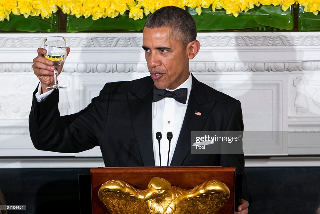 U.S. President Barack Obama delivers remarks during the 2015 Governors Dinner in the State Dining Room of the White House February 22, 2015 in Washington, DC.