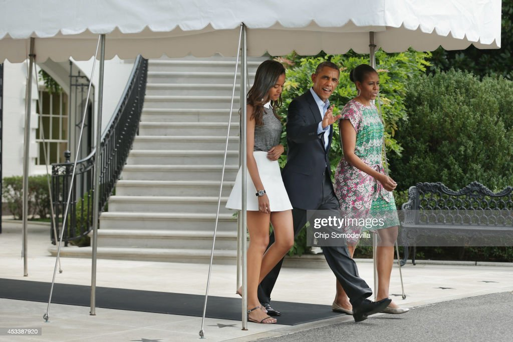 President Obama Gives Statement Before Departing White House For Martha's Vineyard Vacation : News Photo