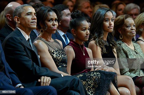 US President Barack Obama First Lady Michelle Obama Sasha Obama Malia Obama and Marian Shields Robinson attend TNT Christmas in Washington 2014 at...