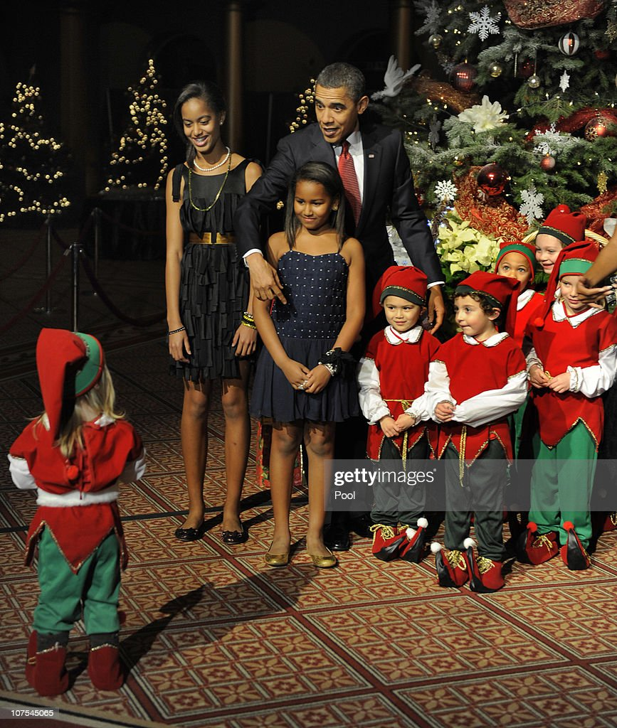 President Obama welcomes children to a Christmas in Washington event ...