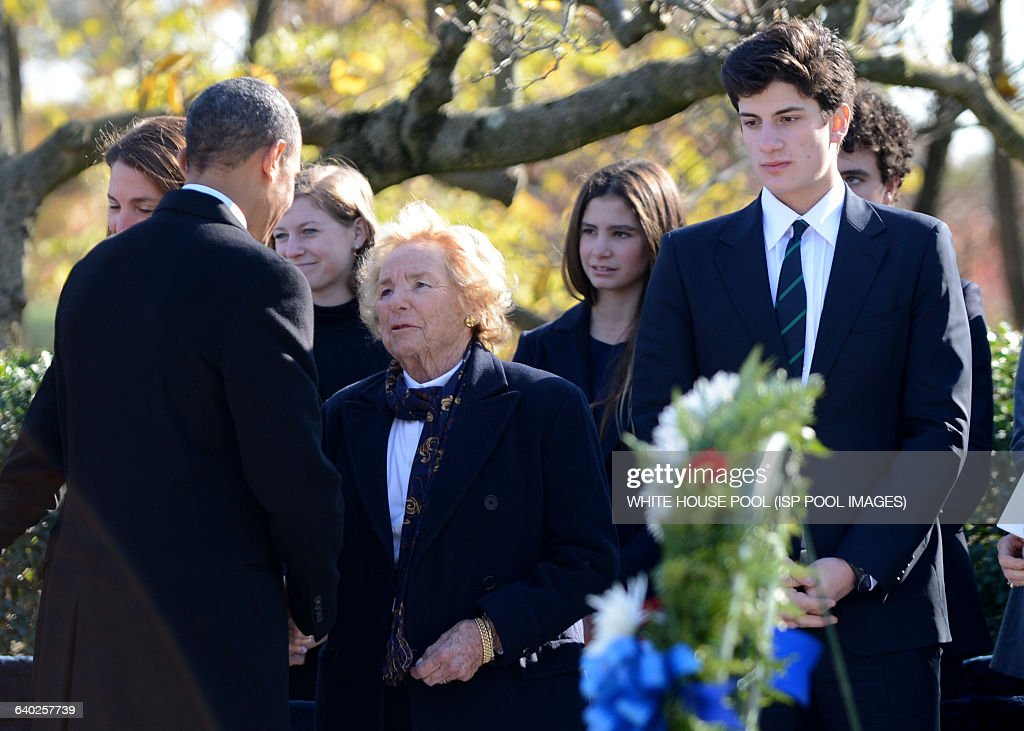President Barack Obama Lays a Wreath at President Kenney's Gravesite in Arlington : News Photo