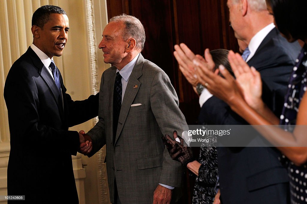 U.S. President Barack Obama (L) greets Sen. Arlen Specter (D-PA) (2nd-L) during a reception in honor of Jewish American Heritage Month May 27, 2010 in the East Room of the White House in Washington, DC. The reception was to celebrate Jewish American heritage and its contributions to American culture.