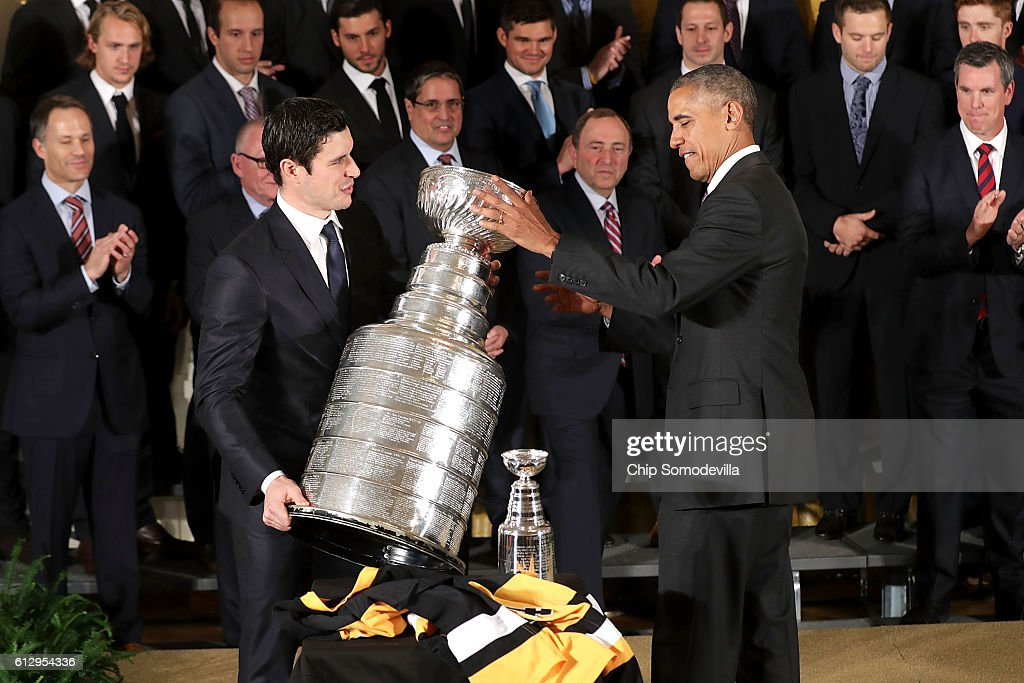President Obama Welcomes NHL Champion Pittsburgh Penguins To The White House : News Photo