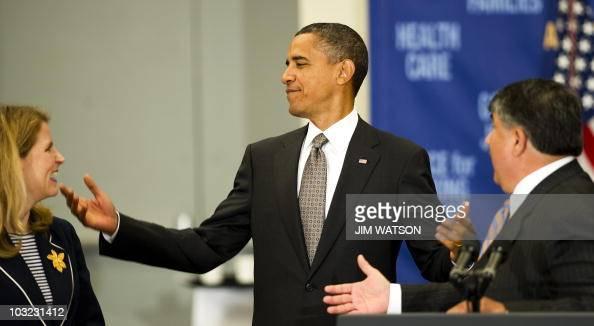 Phenomenal Us President Barack Obama Jokes About No Birthday Cake For His Funny Birthday Cards Online Inifodamsfinfo