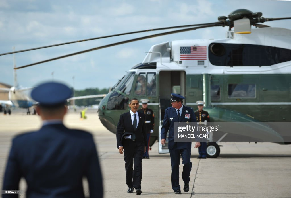 US President Barack Obama makes his way to board Air Force One May 25, 2010 at Andrews Air Force Base in Maryland. Obama is heading to San Francisco to attend fundraisers for Senator Barbara Boxer and the Democratic Senatorial Campaign Committee. AFP PHOTO/Mandel NGAN