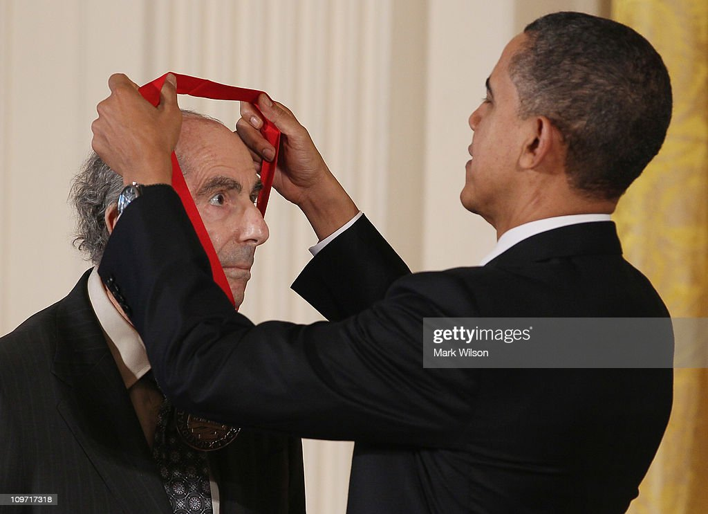 Obama Confers Nat'l Medal of Arts And Nat'l Humanities Medal To 20 Honorees : News Photo