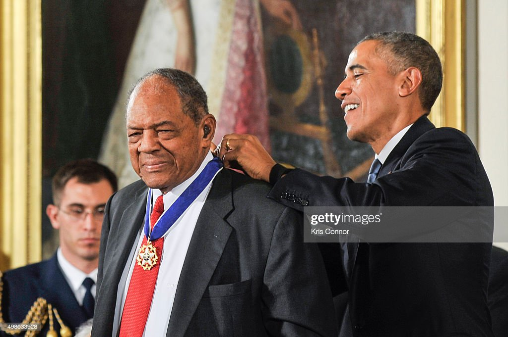 President Barack Obama presents Willie Mays with Presidential Medal of Freedom during the 2015 Presidential Medal Of Freedom ceremony at the White House on November 24, 2015 in Washington, DC.